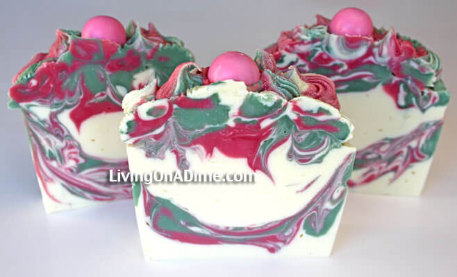 This was one of the first lye soaps that I did piping on and I LOVED how it turned out! I thought that I had messed it up but then when I cut it, it turned out to just be beautiful! This just goes to prove that even if you think your homemade soap has failed, don't give up! It just might turn out!