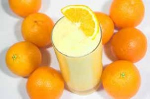 Creamy Orange Shake (like Orange Julius) - Living on a Dime