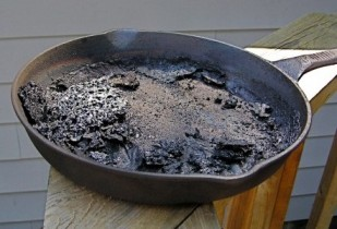 More ideas for saving a burnt pan living on a dime - Clean burnt grease oven pots pans ...