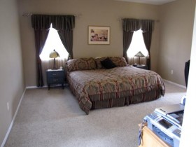 staging a bedroom to sell your house