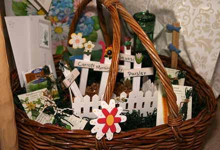 Inexpensive Homemade Gift Basket