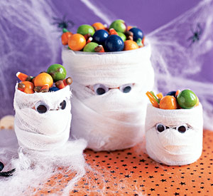 halloween decorating idea spiderwebs halloween decorating idea mummies