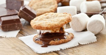 7 Ways To Eat Smores - Ideas And Tips