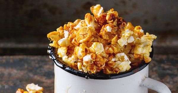 The BEST Homemade Caramel Corn Recipe!