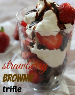 strawberry-brownie-trifle