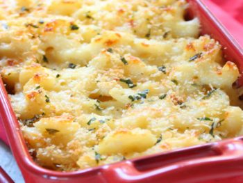 This is the BEST baked macaroni and cheese recipe! Brown and crunchy on top and smooth and creamy in the middle, you'll get an amazing taste like the gourmet baked macaroni and cheese at your favorite restaurant for just a fraction of the price! Super delicious, this baked macaroni and cheese will please your entire family!