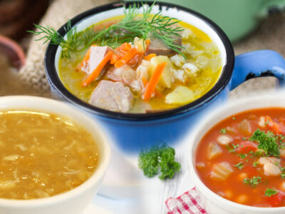 These delicious easy homemade soup recipes are perfect for cool days! Soup is a great way to use leftovers and get meals on the table fast!